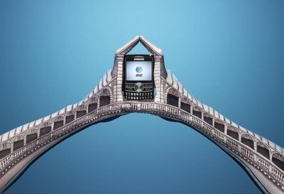 Hand-art-bridge