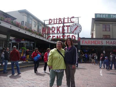 Ron & Yuping at Pike Place Market 114